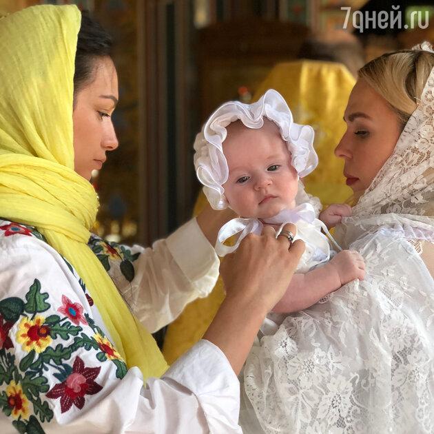 Пелагея с лучшей подругой и крестницей