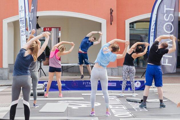 Тренировка под открытым небом в Outlet Village Белая Дача