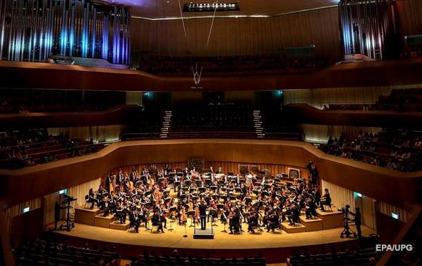 На классическом концерте разразилась драка из-за шороха